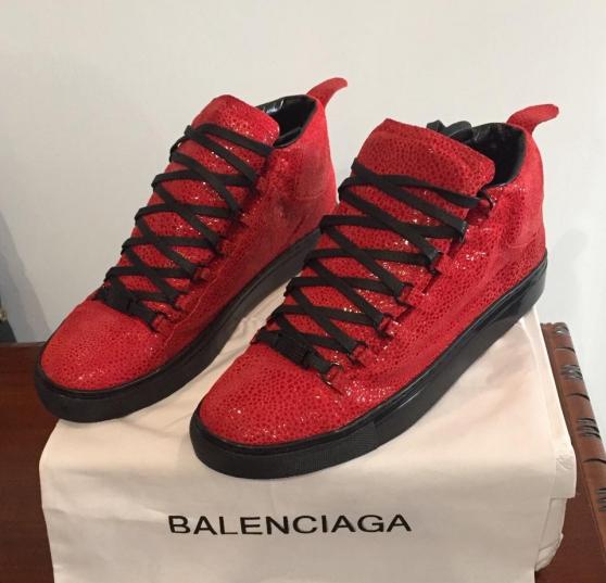 Balenciaga Vente De Une Rouge Homme Prix Liquidation xrodCBQeW