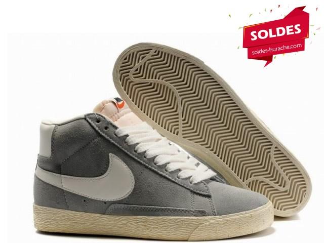 Liquidation Bon Marché Nike Blazer Femmes Chaussures à