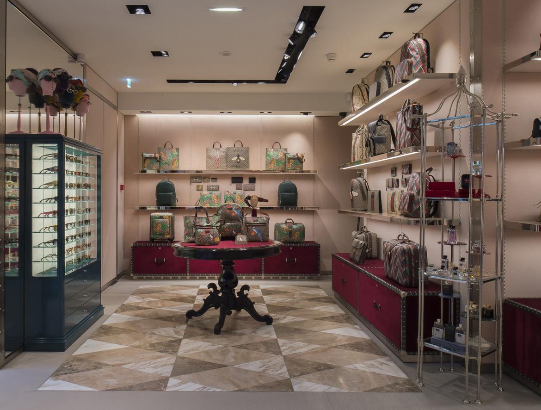 a7dd809b0de Découvrez le point de vente boutique gucci paris rue royale pas cher.  Jusqu à 48% de réduction sur notre boutique en ligne sur  www.lesdemeuresdefrance.fr